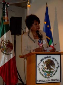 oradora Los Angeles SBS_OCT_2004_ 011